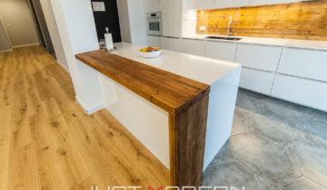 Hvordan passer gammelt treverk i en moderne leilighet?